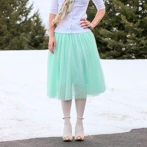 Dresses & Skirts - Mint green tulle skirt midi length
